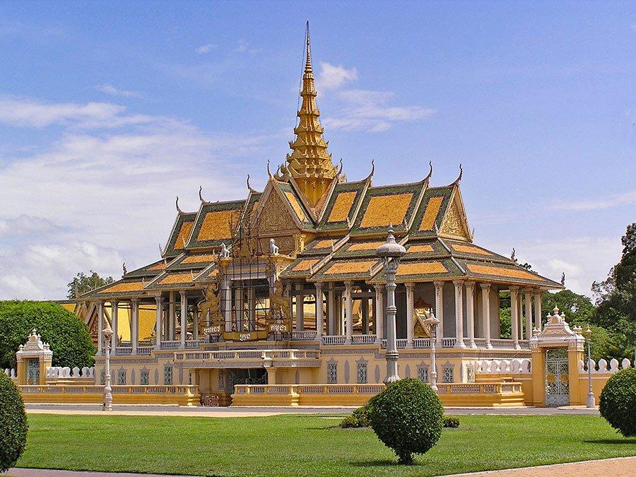 Gran Palacio y Pagoda Plateada