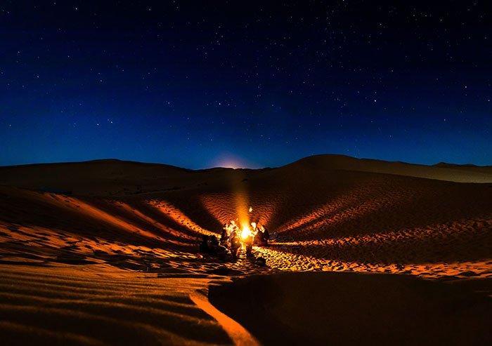 desierto del sahara de noche