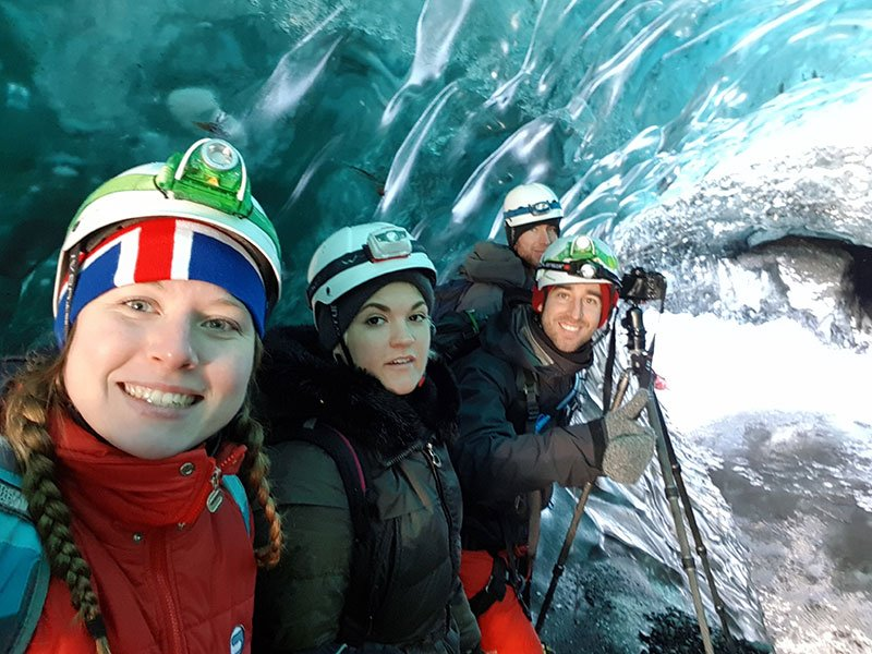Visitando las cuevas de hielo en Islandia