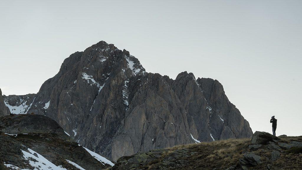 montañas en el valle de la claree